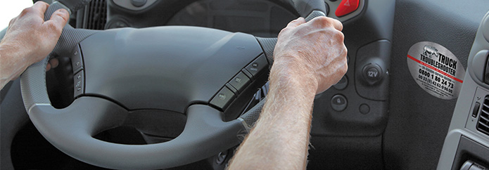 Truck-Troubleshooter-Aufkleber im LKW-Cockpit